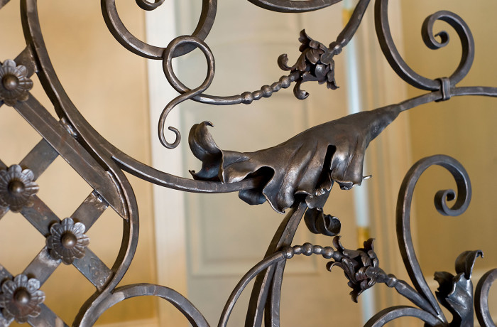 Italianate Railing Acanthus leaves